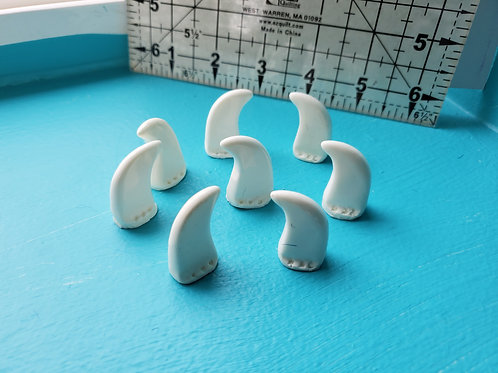 8 Offwhite Small Feline Claws by DVC