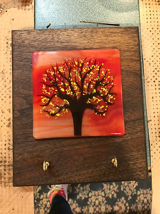 Fall tree plaque with key holder