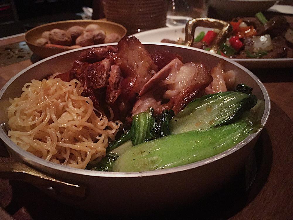 המנה המצטיינת שלי בקאב קם. חזיר נודלס פאק צ'וי