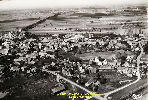 Blodelsheim - vue aérienne vers 1960.jp