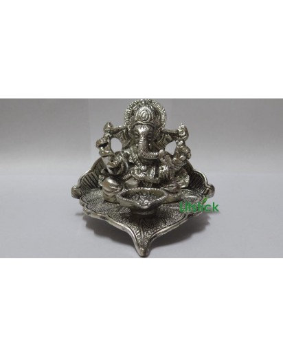 Metallic Ganesh Deep, silver finish