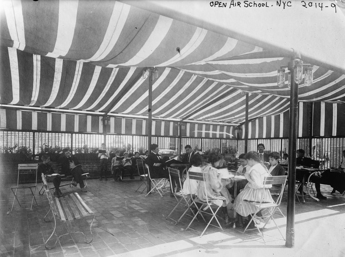 The earliest fresh air schools in New York were a success by nearly every measure. Within two years there were 65 open-air schools around the country. Bain News Service, via Library of Congress
