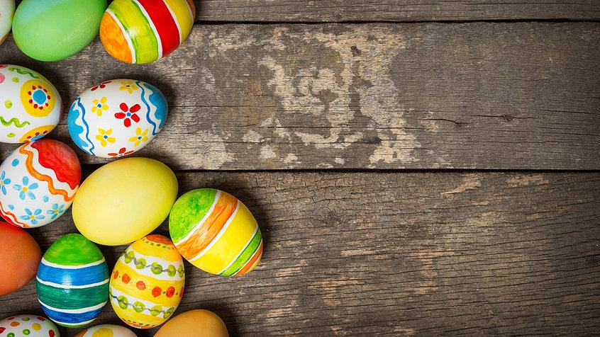 Holidays_Easter_Wood_planks_Eggs_517201_