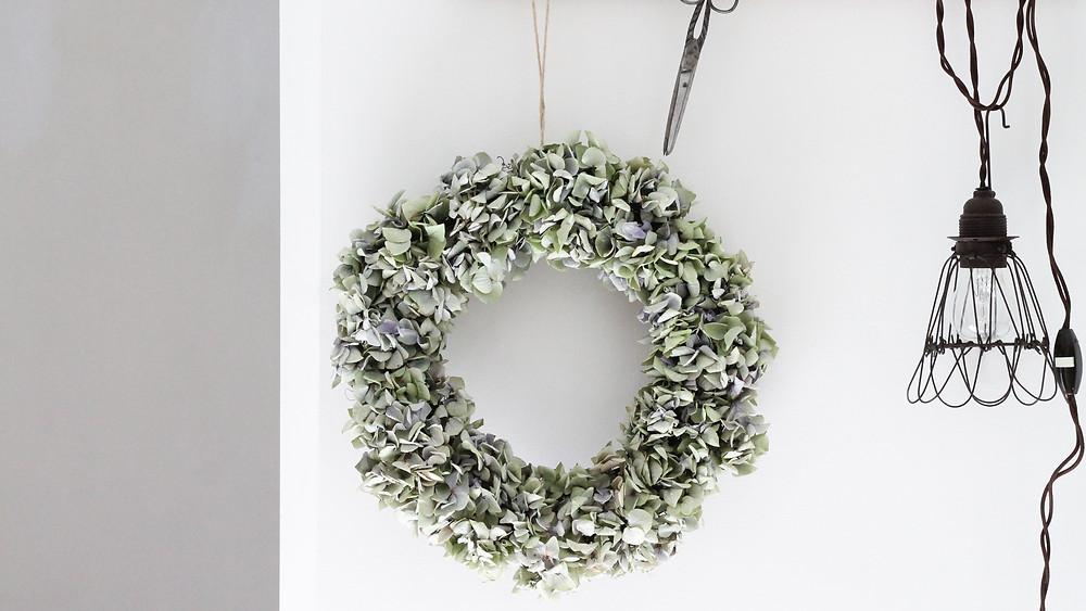 dried hydrangea wreath tutorial