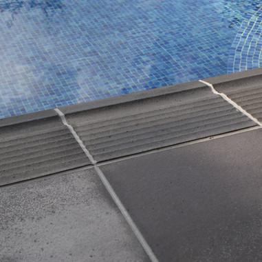 basalto infinity pool edge 1.jpg