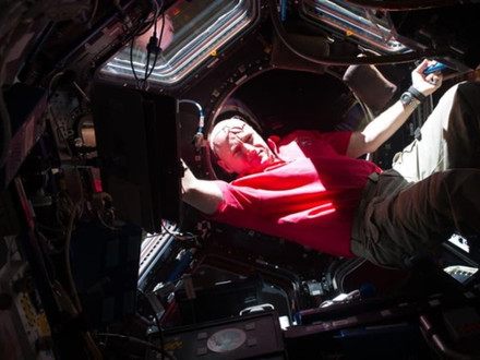 VIDEO | This NASA Astronaut Knows How To Make Science More Appealing To Kids | Fast Company