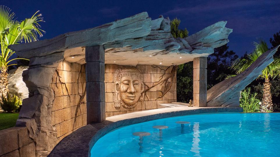 Villa Malibu - Rocher.jpg