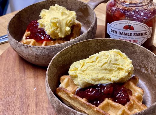 Vanila Waffles & Ice Cream