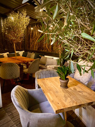 Cosy Pizza Tables