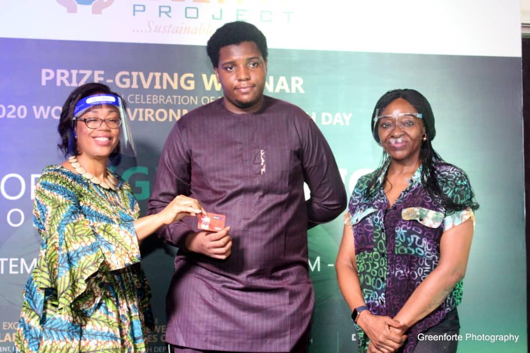 Collaborators and Age 15-18 consolation prize winner
