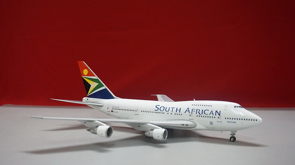 1:200 B747SP South African NL 'Hantam' ZS-SPE L.E. 312 pcs