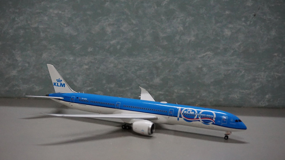 1:200 B787-10 KLM 100th Years Livery PH-BKA