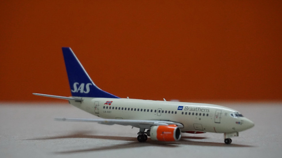 1:400 B737-600 SAS Braathens 'Signe Viking' LN-RRY