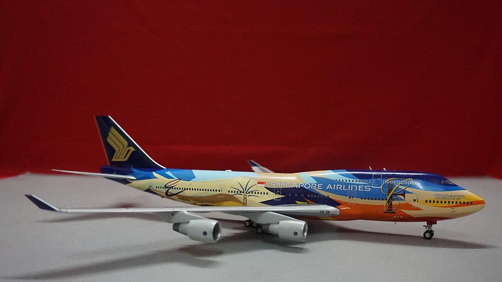 1:200 B747-400 Singapore Airlines Tropical 9V-SPL