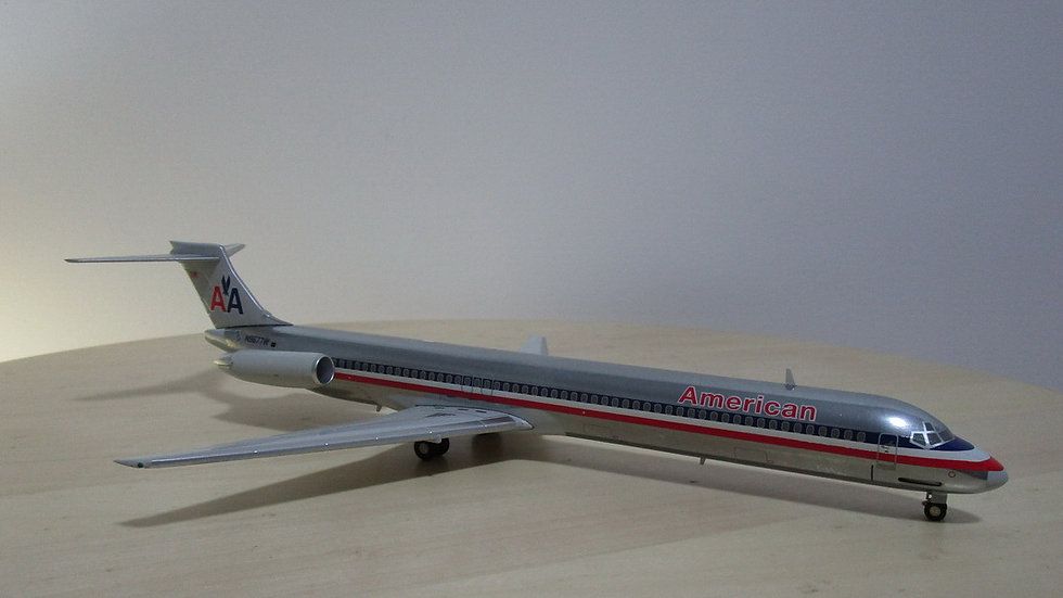 1:200 MD-83 American Airlines Polished N9677W