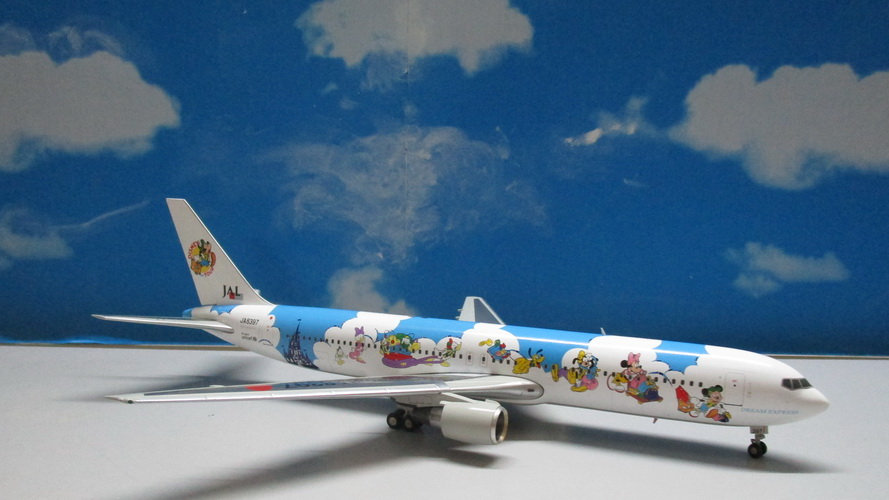 1:200 B767-300ER JAL Dream Express Disney Tour JA8397