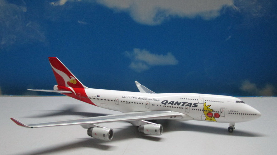 1:400 B747-400 Qantas Boxing Kangaroo VH-OJU