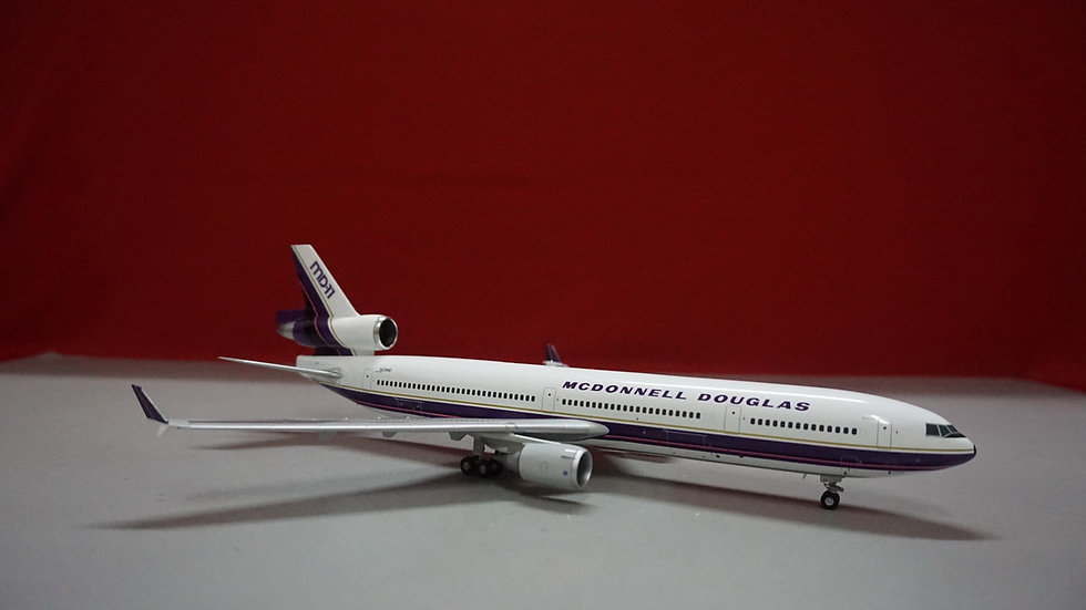 1:200 MD-11 House Color - Purple N211MD