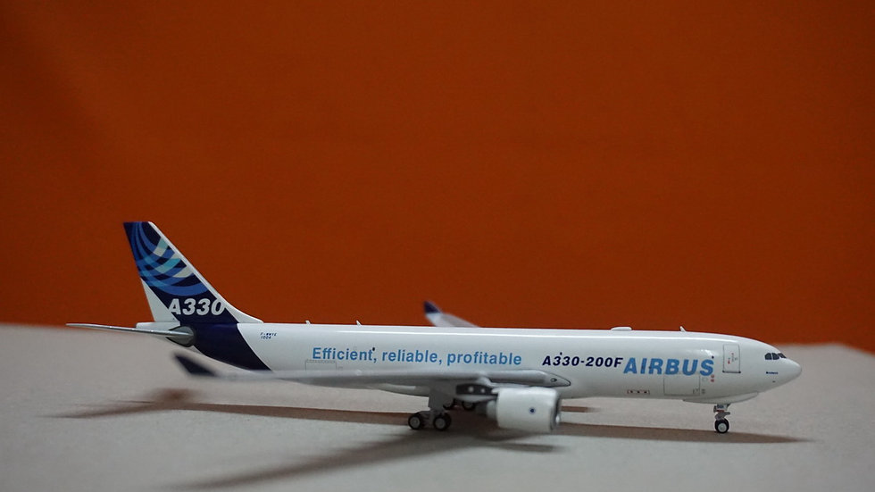 1:400 A330-200F Airbus IndustrieF-WWYE