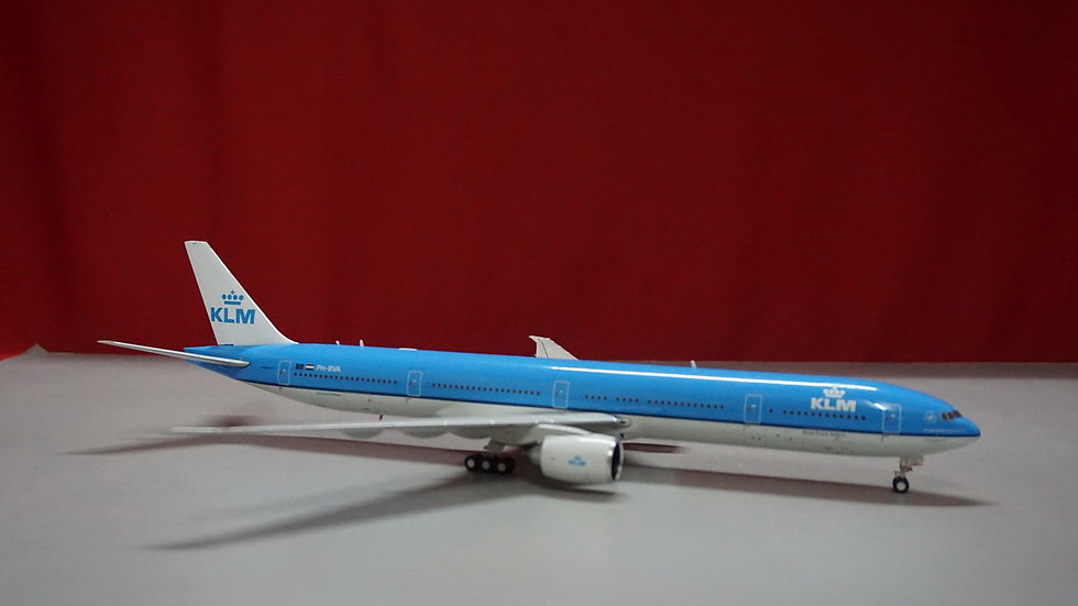 1:200 B777-300ERKLM 'The Flying Dutchman' (1st release) PH-BYA