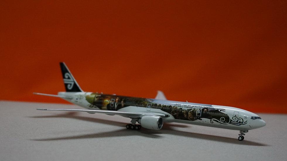 1:400 B777-300ERAir New Zealand 'The Hobbit'ZK-OKP