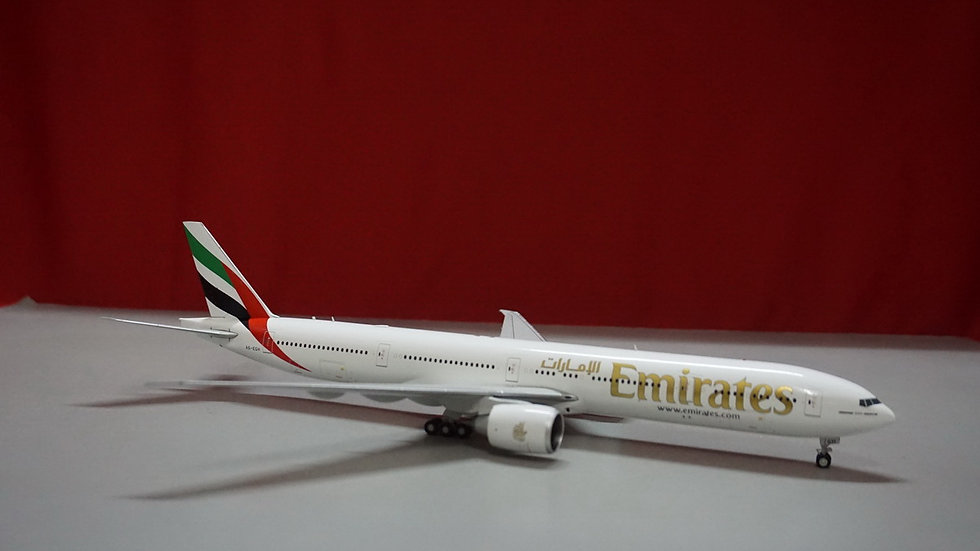 1:200 B777-300ER Emirates Airlines A6-EGH