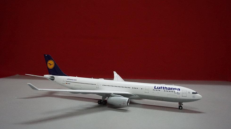 1:200 A330-300 Lufthansa Minden D-AIKA