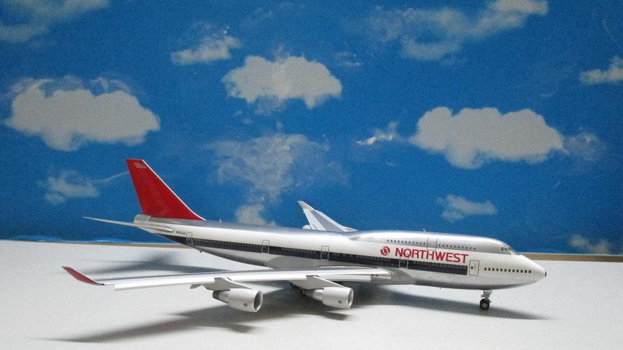 1:200 B747-400 Northwest Airlines N663US Flap/Slats Extended