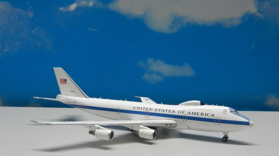 1:400 E-4B (B747-200) United State Air Force Flying White House 40787