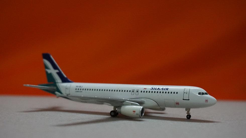 1:400 A320-232 Silk Air 9V-SLJ