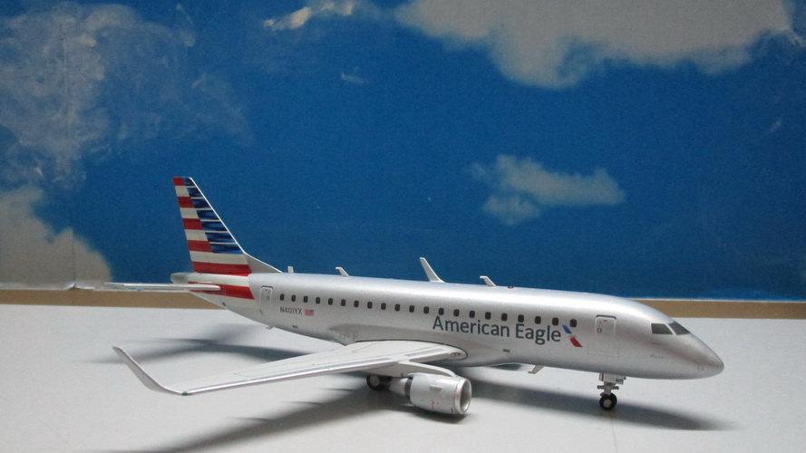 1:200 ERJ-170 American Eagle New Livery N401YX