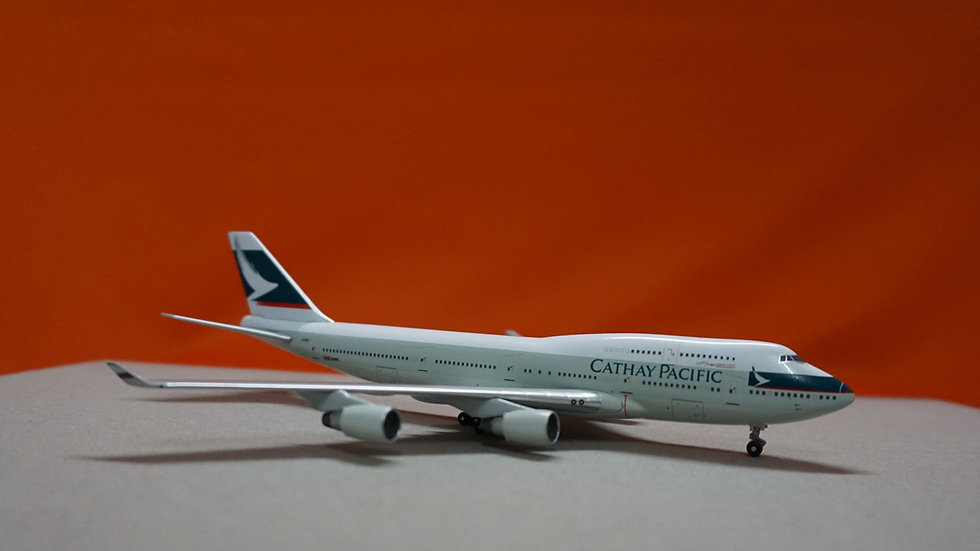 1:400 B747-400 Cathay Pacific (Pratt & Witney) B-HKV