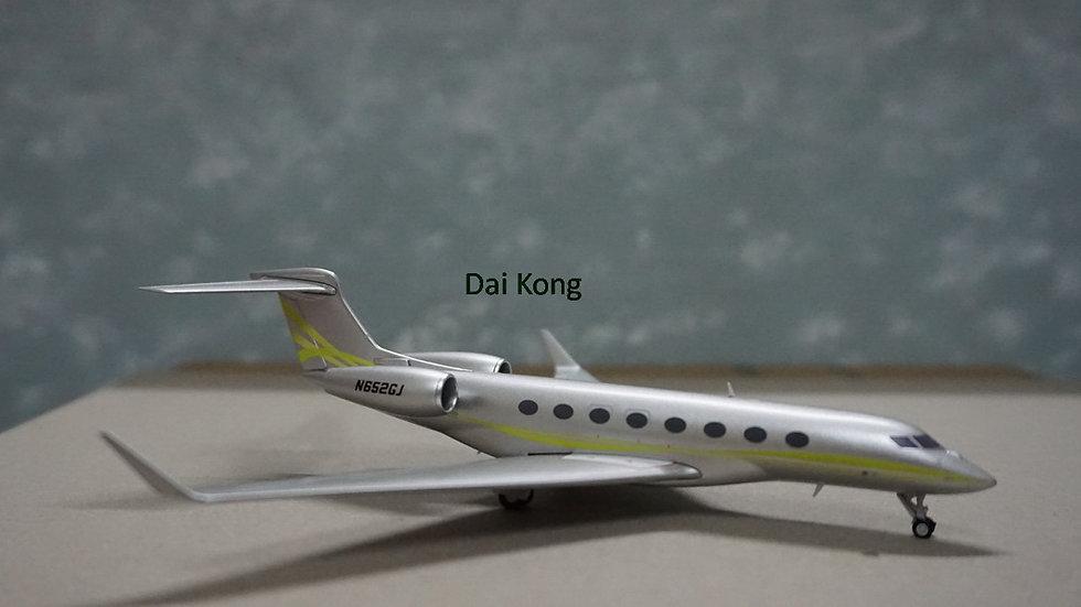 1:200 Gulfstream G650 3rd Release Silver N652GJ