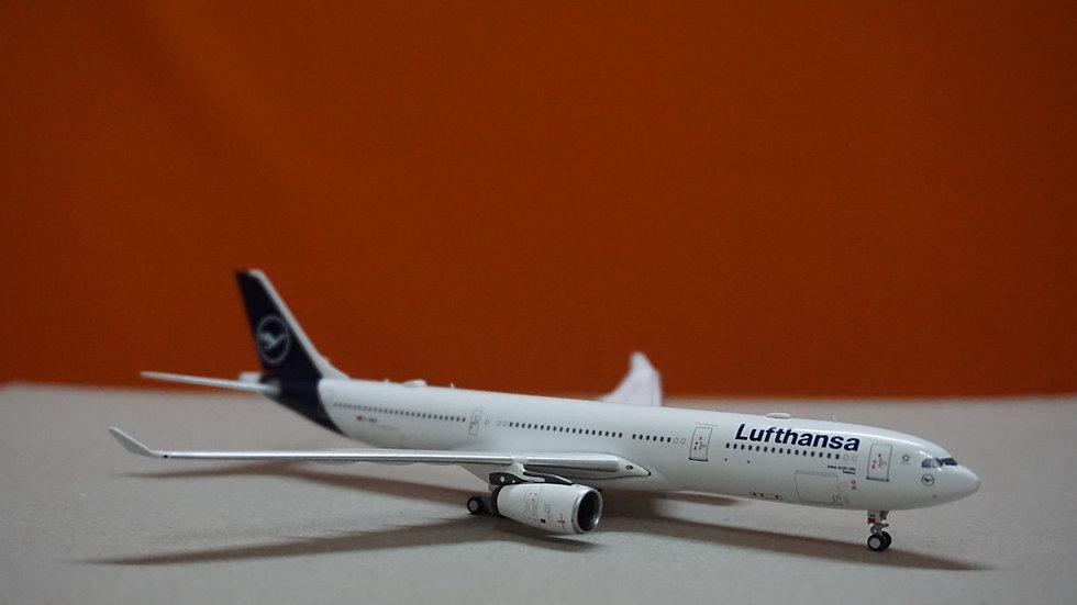 1:400 A330-300 Lufthansa New Livery D-AIKO