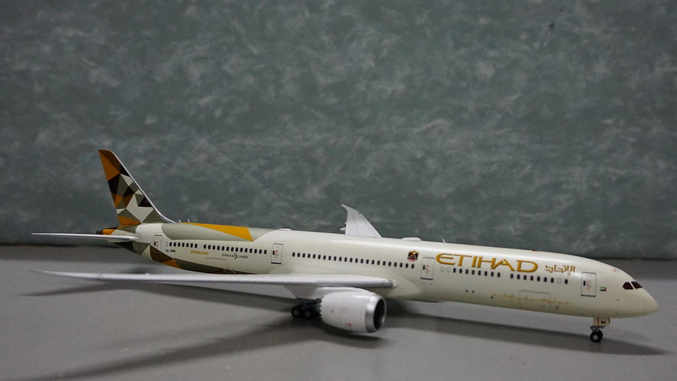 1:200 B787-10 Etihad Airways New Livery A6-EMA