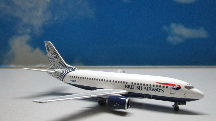 1:400 B737-300 B737-36Q British Airways Nami Tsuru 'Waves & Cranes' G-ODUS