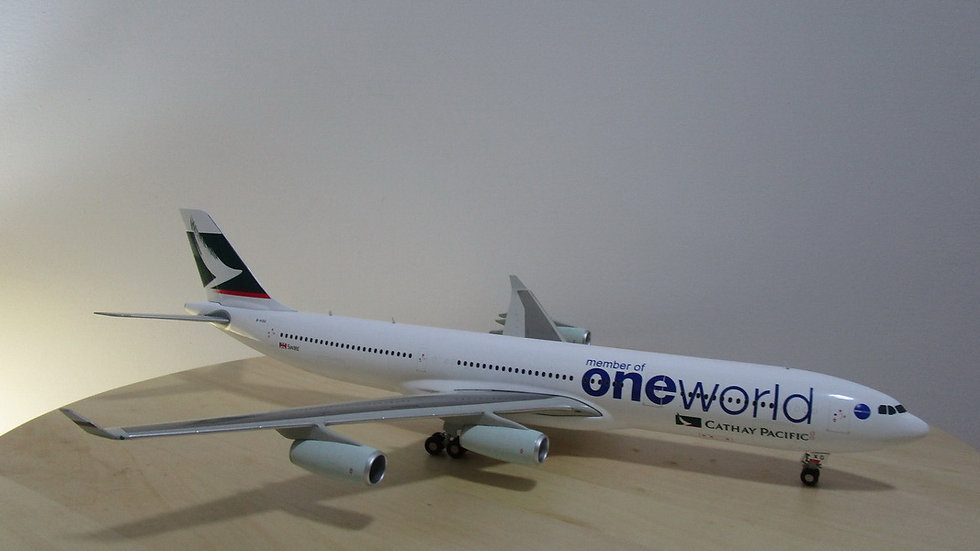 1:200 A340-300 Cathay Pacific One World Livery B-HXG