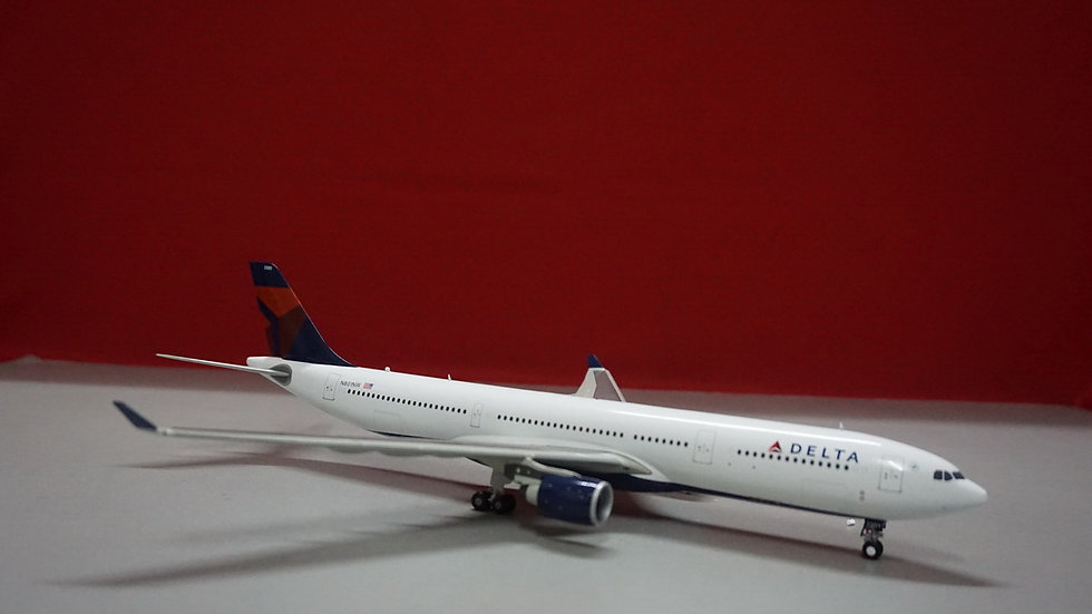 1:200 A330-300 Delta New Livery N801NW
