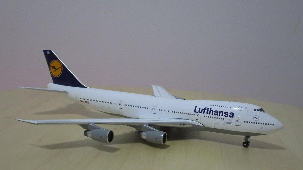 1:400 B747-230BM Lufthansa Old Color D-ABVR