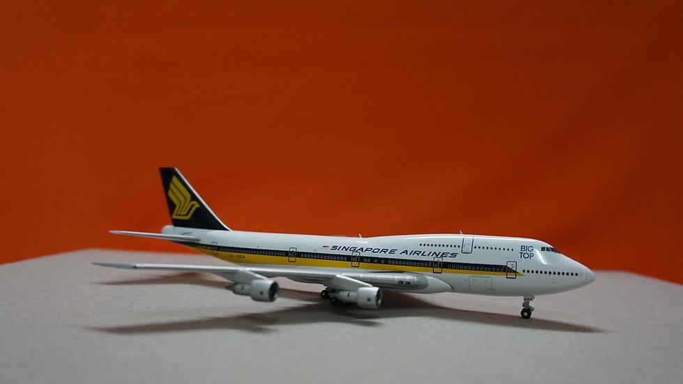 1:400 B747-300 Singapore Airlines Big Top 9V-SKA
