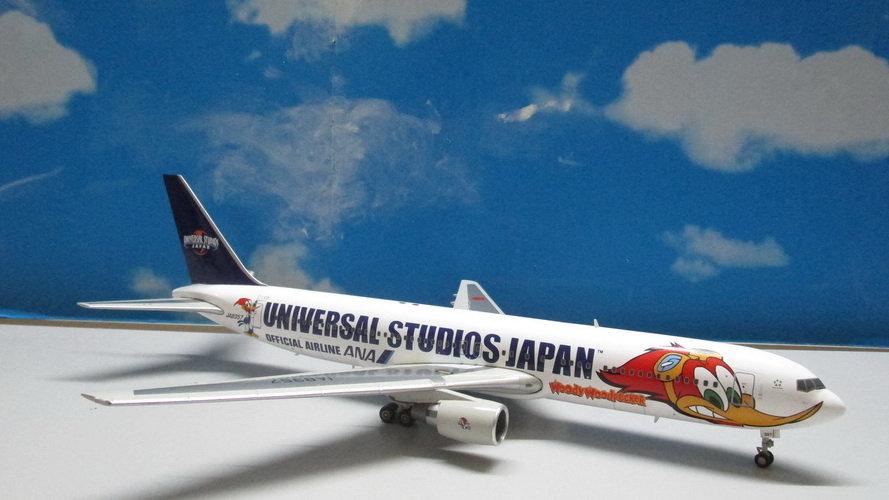 1:200 B767-81ER ANA Universal Studio Woody Woodpecker JA8579