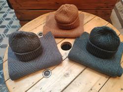 Bonnet 19 EUR, écharpe 29 EUR