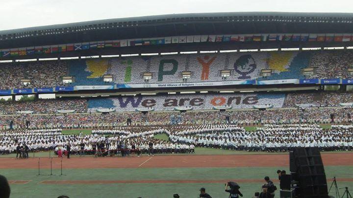 Facebook - The over 200,000 Public at World Peace Summit opening, Seoul Korea.jp