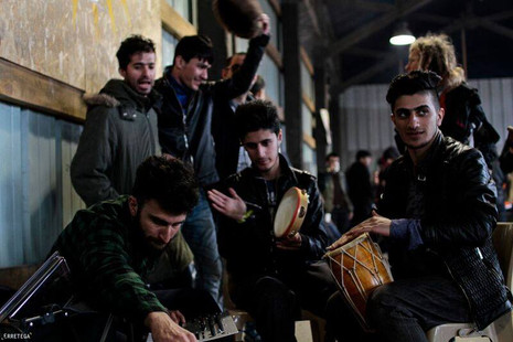 Solidarity concerts in Grande Synthe refugee camp