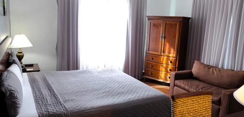superior king room 2.jpg
