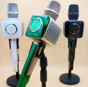 микрофон на стойке
