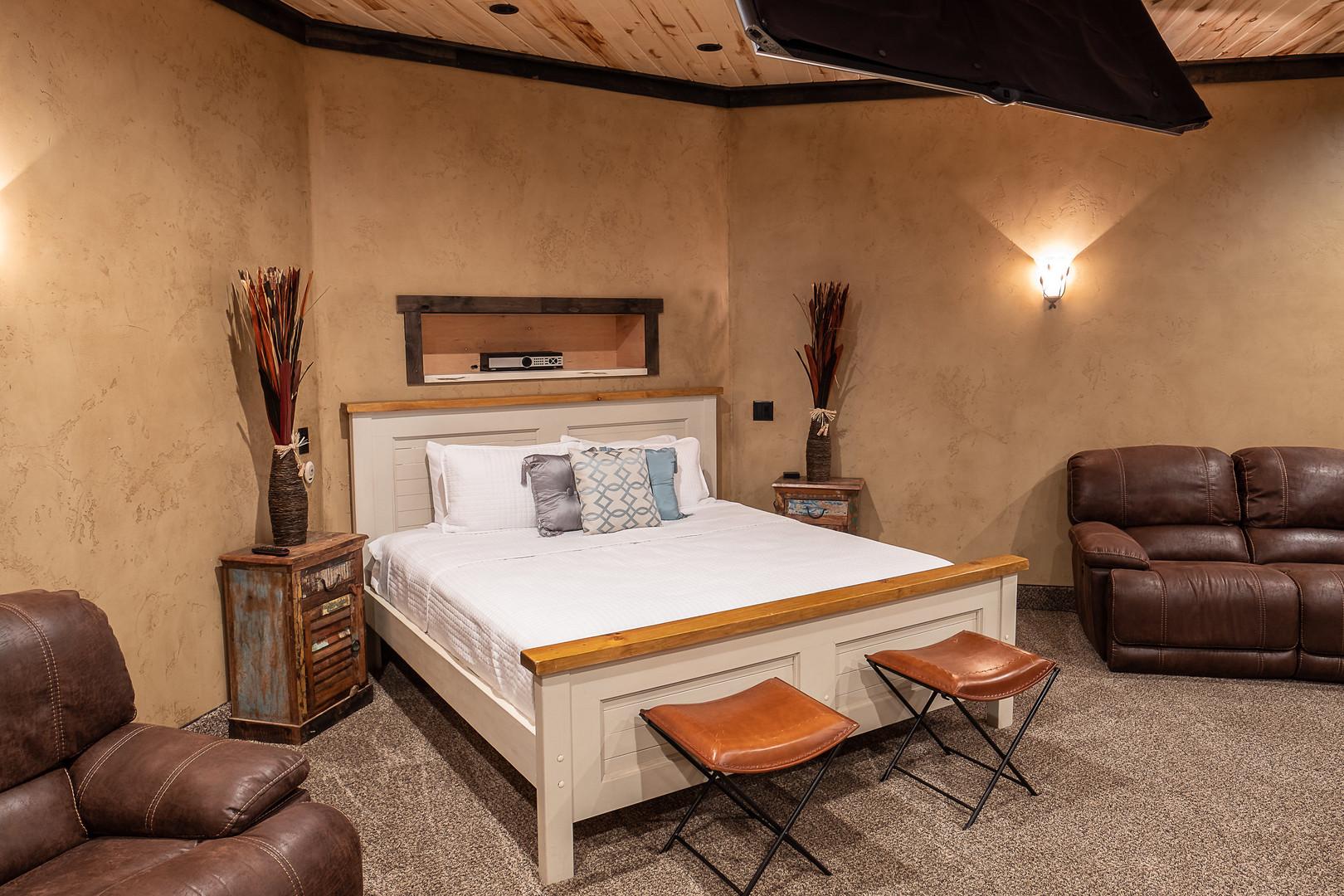 Room 1 Master Suite