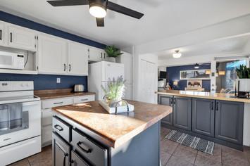 Delux suite with Kitchen in Zion.jpg