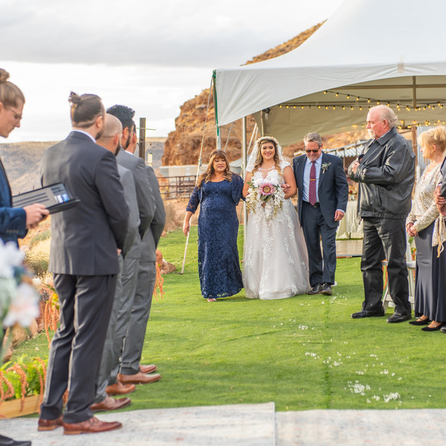 bridal walk in utah.jpg