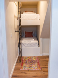 Narrows Bunkroom